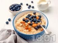Рецепта Овесена закуска с овесено и соево мляко и банан